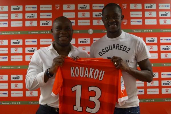 KOUAKOU CHRISTIAN & son agent DANIEL CHRYSOSTOME - Nimes Olympiques