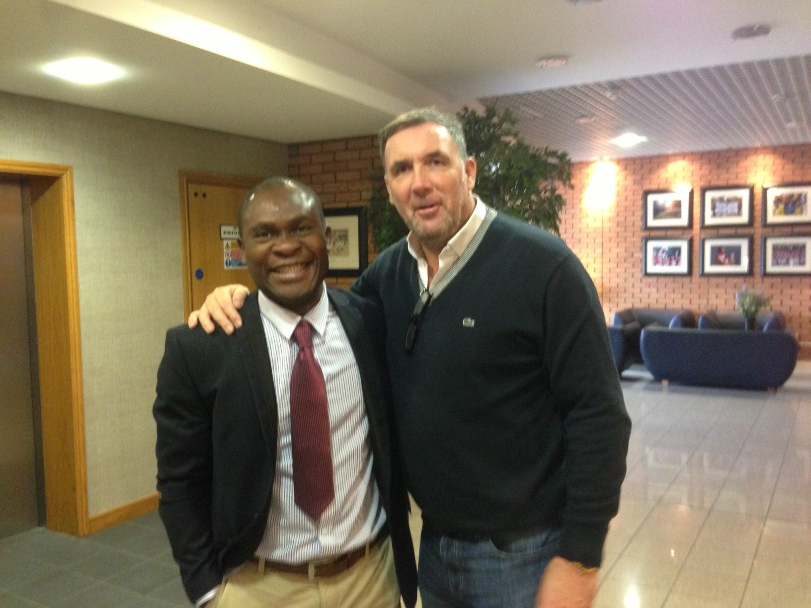 Daniel Chrysostome avec Tony COTTON, Chief Scout of Wigan Athletic Club